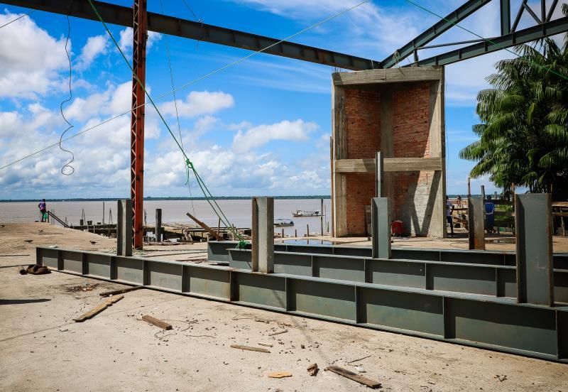 O novo Porto do Açaí está na reta final de obras. Com um investimento de R$ 4,5 milhões, o espaço vai contar com nova plataforma de comercialização, que expandiu o espaço da feira em 700 metros quadrados