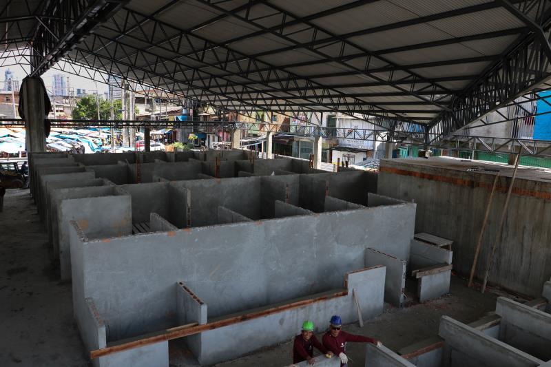 Obra do Complexo do Jurunas começaram há quatro meses e está com 40% dos trabalhos realizados. O investimento é de aproximadamente R$ 11 milhões, e vai atender 450 permissionários que atuam nessa feira.