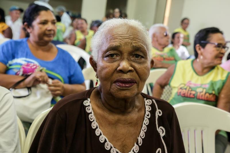 A senhora Conceição Miranda, de 86 anos, contou que após perder um neto de 22 anos, estava sem ânimo para continuar as suas atividades diárias, mas depois que conheceu o Centro tudo mudou na sua vida