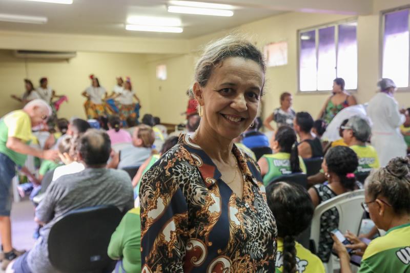 """""""Trabalhamos para melhorar a qualidade de vida dos adultos da terceira idade, por meio de atividades de saúde e assistência"""", coordenadora do Centro de Convivência Zoé Gueiros"""