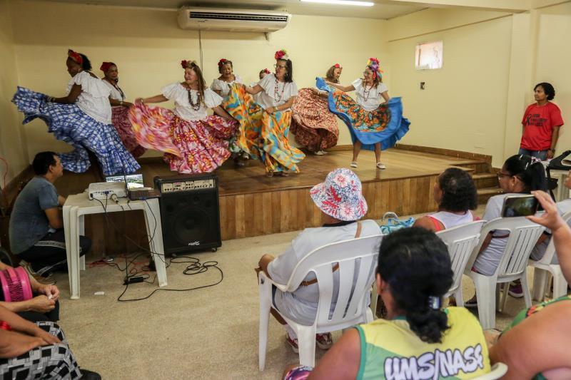 Durante o evento, o público assistiu à apresentação do grupo de carimbó da terceira Idade do Zoé Gueiros