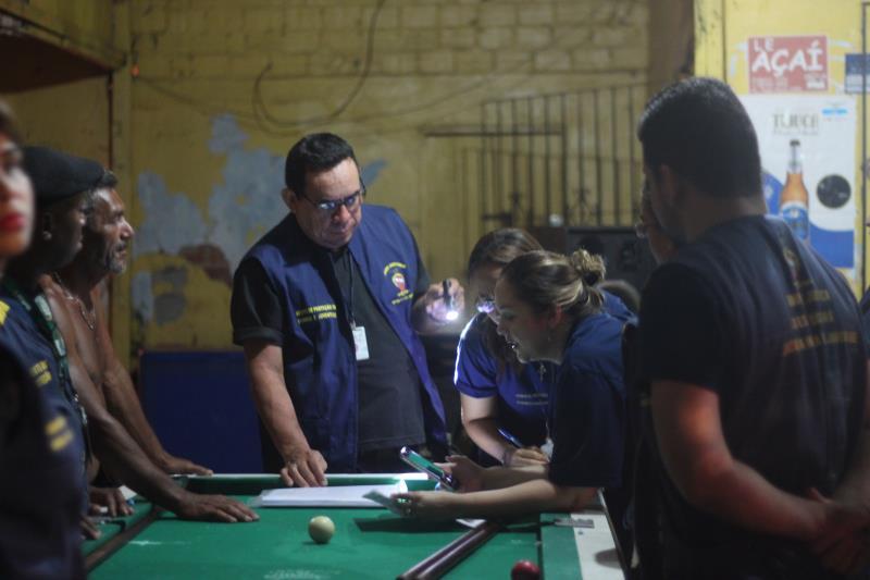 Bares foram autuados por infrações cometidas contra adolescentes