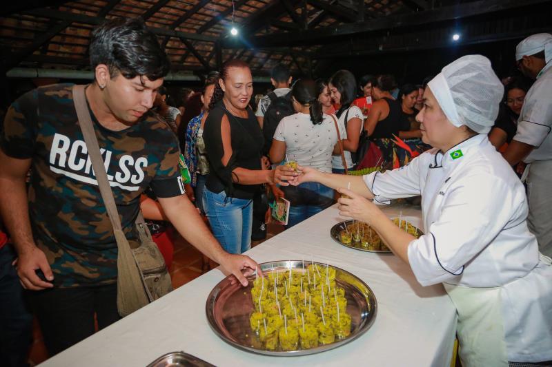 Alunos foram recebidos com uma degustação que mostrou um pouco da criatividade e técnica da gastronomia paraense