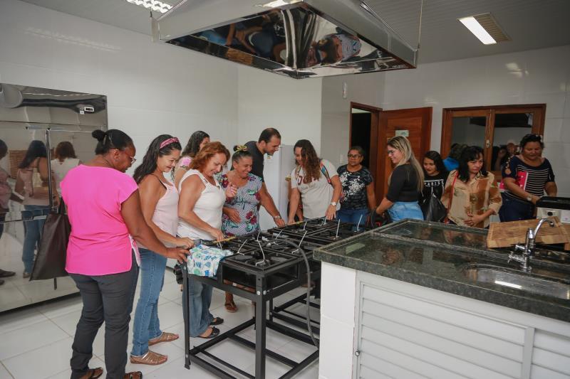 Alunos ficaram encantados com as instalações da Escola da Gastronomia