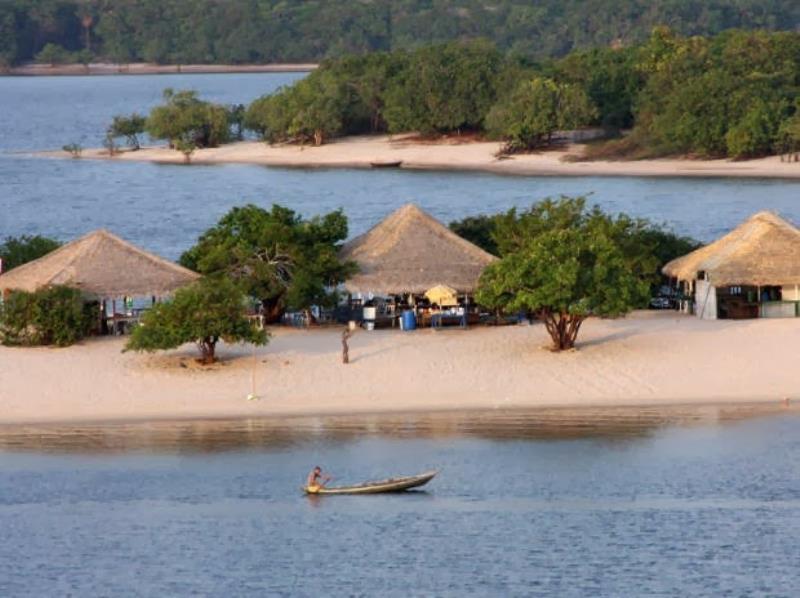 Ilha do Amor, Vila de Alter-do-Chão, em Santarém, Pará.