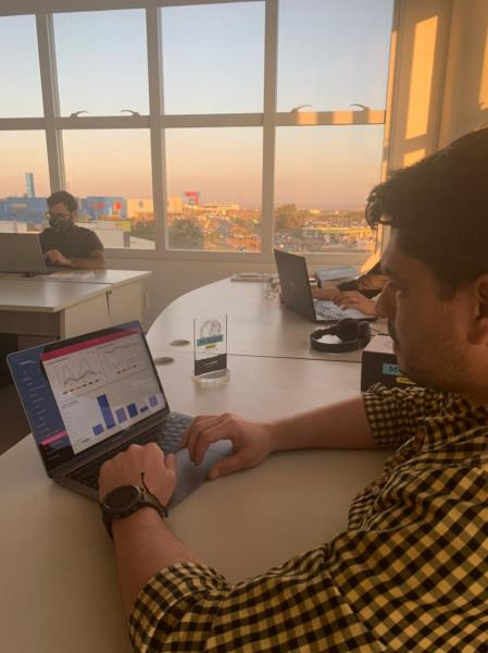 Bruno Sousa, CEO que trabalha com Wagner Neto na startup IndustryCare, utilizando o sistema, que gerou benefícios como o consumo mais sustentável de energia na MRN.