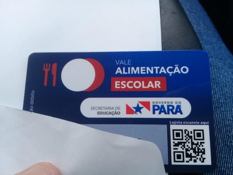 Cartão do vale alimentação escolar — Foto: Sandro Vaughan/TV Tapajós