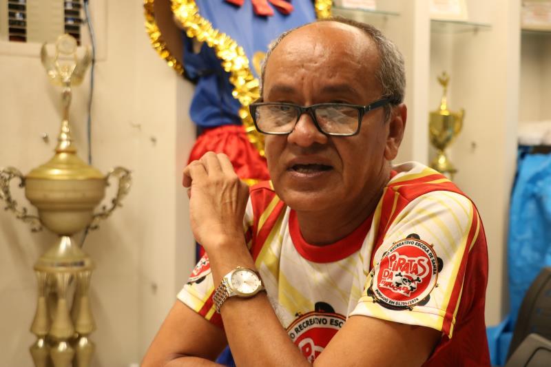 """""""Estamos a mil para poder dar conta de todo o trabalho"""", complementou o carnavalesco Jamil Mouzinho"""