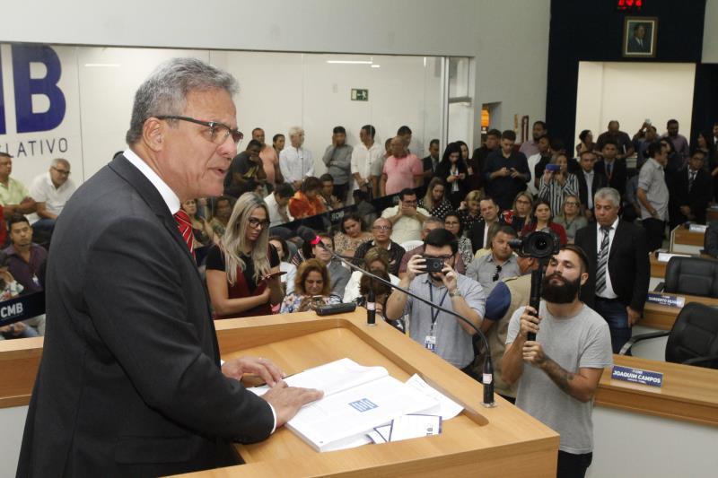 Como em todos os anos, a primeira sessão do legislativo foi aberta com a mensagem do prefeito de Belém, Zenaldo Coutinho, que compareceu à sede do poder legislativo do município
