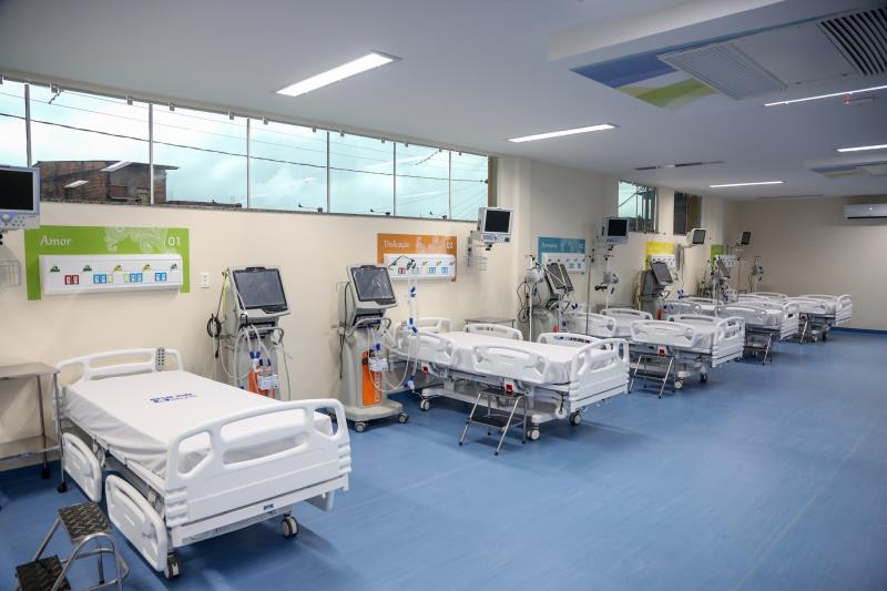 O novo hospital passou por uma reforma completa e ampliação do número de leitos, que antes tinha 68 unidades e agora tem 93 leitos, elevando o hospital de média para alta complexidade