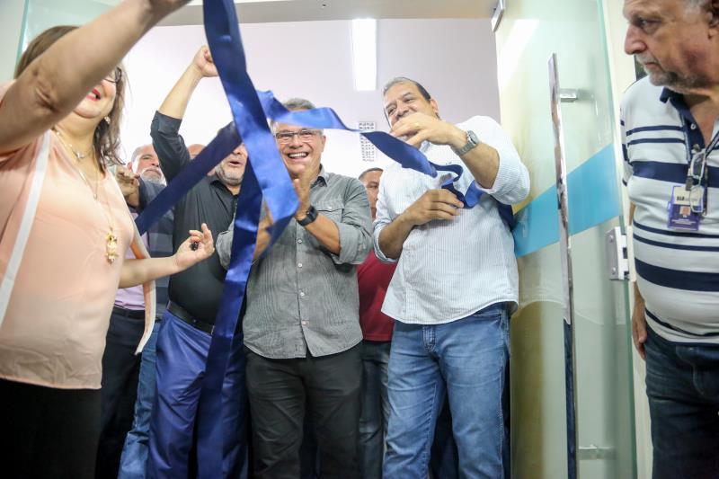 A faixa de inauguração foi cortada pelo prefeito Zenaldo Coutinho e outras autoridades
