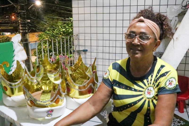 Rosilene Sena, diretora da ala das baianas, está cuidando pra que tudo saia dentro do que foi planejado pela Xodó da Nega