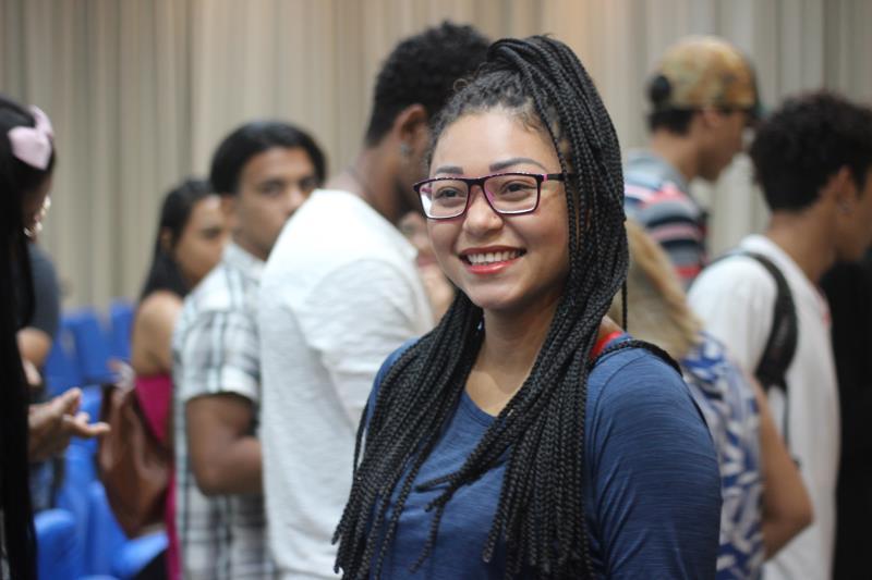 """Camila Teles, que mora no bairro Brasília, aprovou a iniciativa: """"A palestra veio em boa hora, aqui em Outeiro tem muita gente em busca de emprego com carteira assinada e essa opotunidade é bem-vinda"""""""