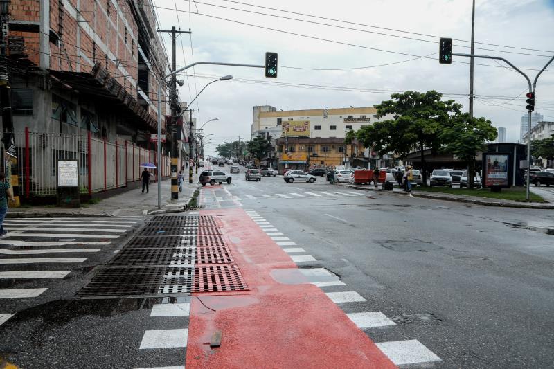 A ciclofaixa na avenida José Bonifácio recebeu nova pintura e sinalização