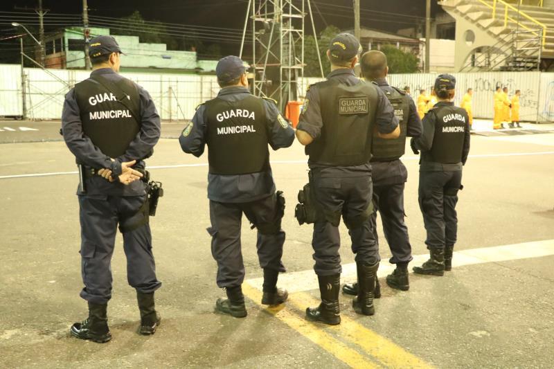A Guarda Municipal de Belém (GMB) garantiu a segurança da avenida e entorno, com a presença de um efetivo de 200 homens