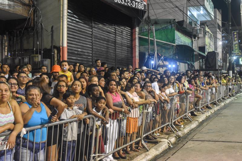 A público que lotava as laterais da Aldeia Amazônica ficou bem empolgado com a apresentação do Rancho