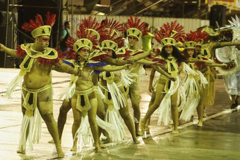 """A escola Alegria Alegria levou à avenida o  enredo """"Colares, suas Lendas, seus Mistérios, seus Encantos com Alegria Alegria, um Lugar que Eu Amo Tanto"""", e deu início, neste domingo, 16, ao desfile de encerramento do Carnaval Oficial de Belém 2020"""