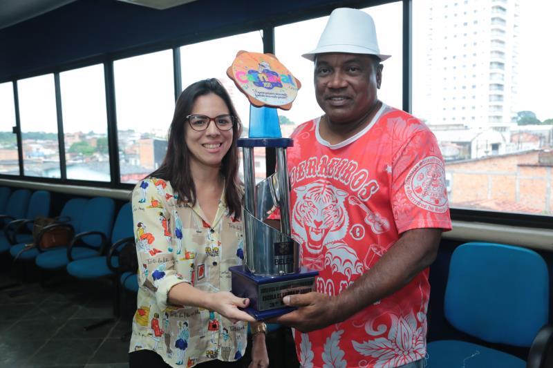 A Escola Guerreiros do Samba e do Amor conquistou o terceiro lugar do terceiro grupo
