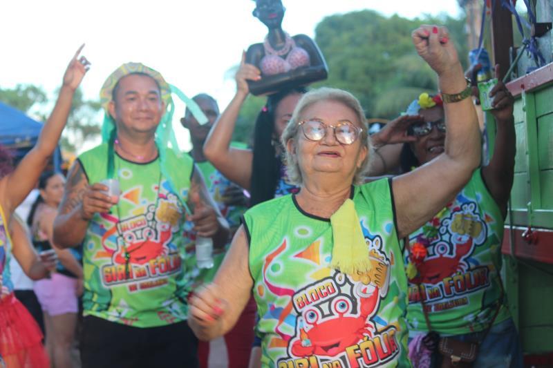 Moradora do bairro do Bengui, Nazaré da Costa, 70 anos, era uma das mais animadas.