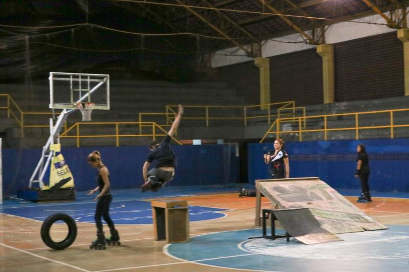O Ginásio Altino Pimenta recebeu patinadoras de várias equipes de Belém.