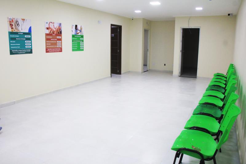 O espaço dispõe de 18 salas, laboratório de análises clínicas, serviços de raio-x, mamografia digital e ultrassom.