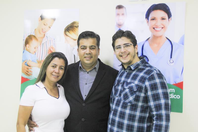 Sócios da Rede Mais Saúde comemoram a inauguração de uma nova unidade em Ananindeua
