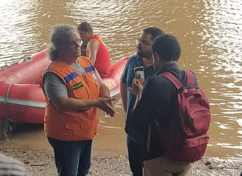 Na tarde de segunda-feira, Igor Fonseca e Talison Lima, assessor de imprensa da Arout, acompanharam o trabalho da Defesa Civil do Município de Belém, na vistoria da ponte de Outeiro