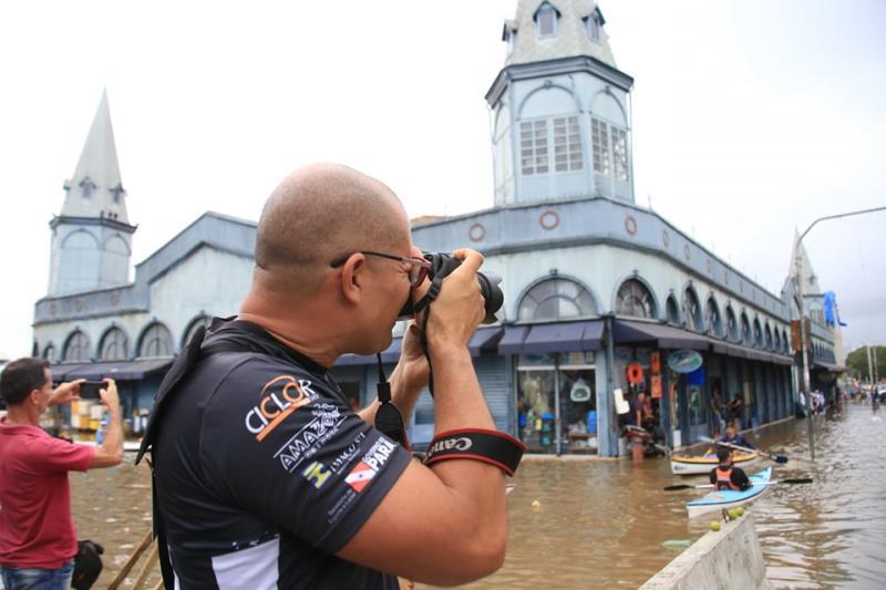Amigão Sidney Oliveira ficou bem de cartão postal, junto com a mercado de peixe do Veropa
