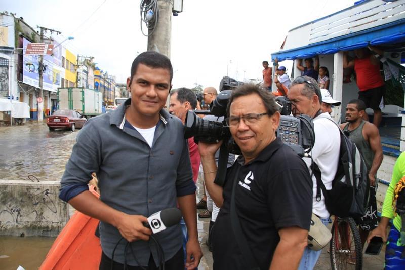 Equipe da TV Liberal, para entrada ao vivo no JL-1, com Carlos Brito e Ismar Antônio