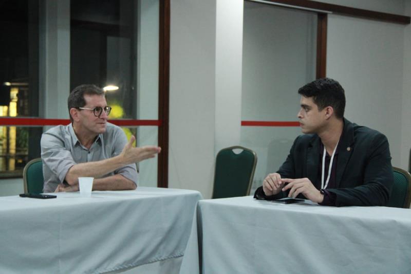 Na foto: à esquerda, Carlos Freire, presidente da Associação Brasileira de Indústria de Hotéis (HBIH) e do Convention Bureau.