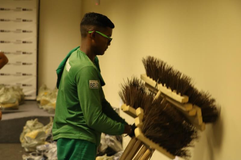 As cooperativas vão receber também produtos e material de limpeza.