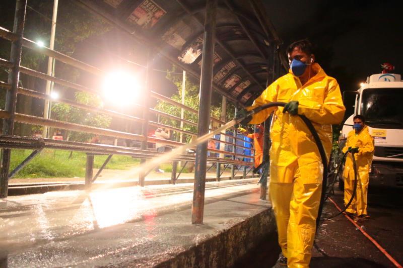 A limpeza começou pelo bairro de São Brás, na noite desta quarta-feira, 25.