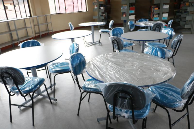 Unidade está sendo reformada e recebendo novos equipamentos pedagógicos.