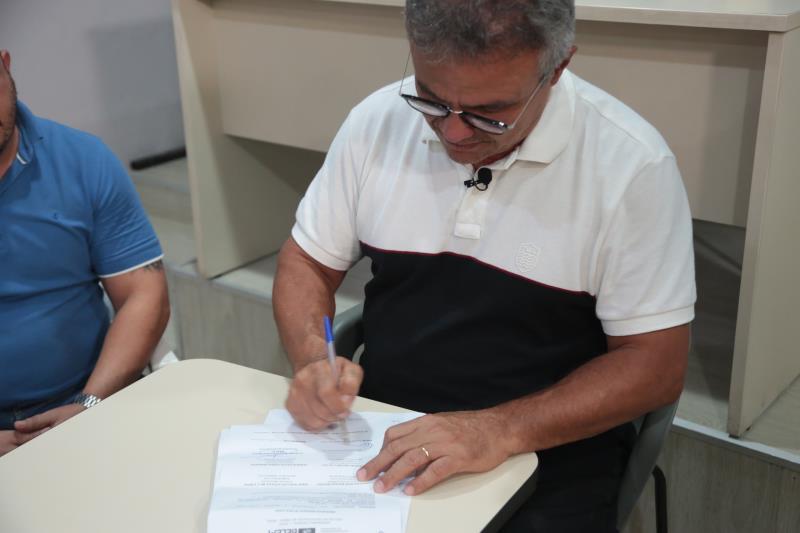 A assinatura da OS ocorreu no Gabinete Municipal nesta segunda, 6