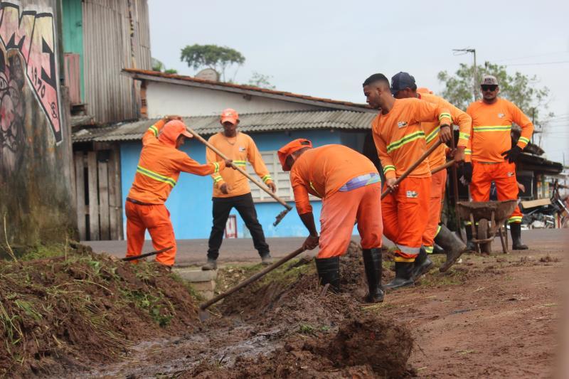 Força-tarefa em Outeiro é formada por trabalhadores da Sesan e da Seurb