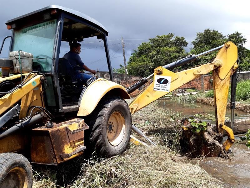 Prosseguem ações de limpeza por toda a ilha de Outeiro