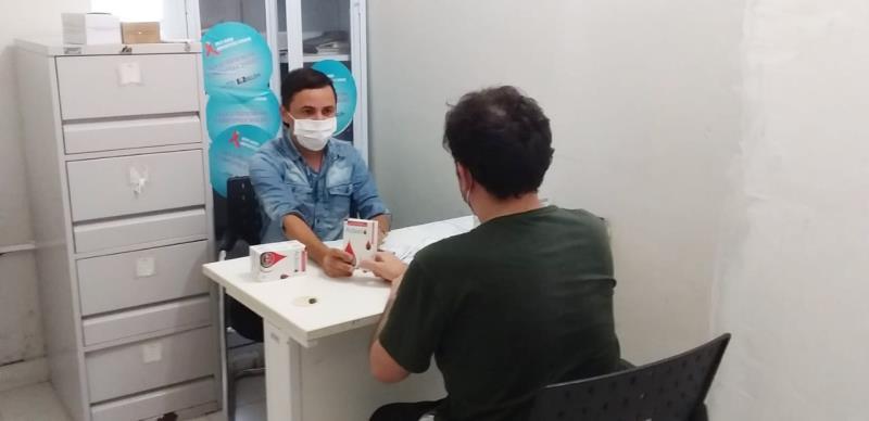 Para facilitar o acesso do usuário ao serviço, o Centro oferece Profilaxia Pré e Pós-Exposição ao HIV (PrEP e PEP), consultas agendadas, distribuição de autotestes e realização de testes rápidos para HIV, Sífilis e Hepatites B e C.