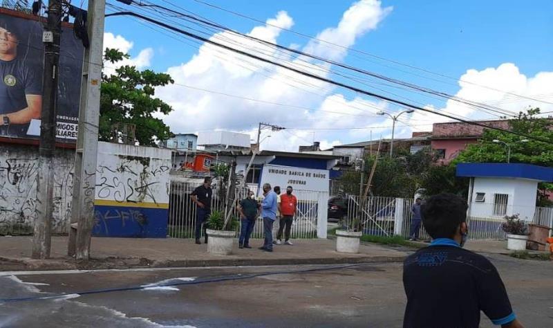 Toda a ação foi acompanhada pelo secretário de saneamento, Claudio Mercês.