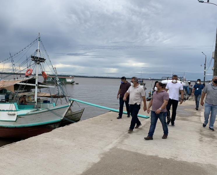 O prefeito Zenaldo Coutinho visitou as diversas obras de pavimentação asfáltica