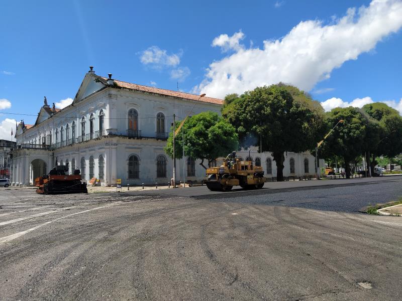 Na rua Cel. Fontoura , trecho entre rua João Diogo e praça  D. Pedro II, os serviços estão bem adiantados.