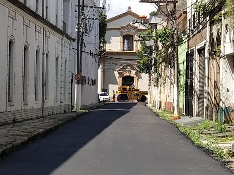 Obras na Rua Tomázia Perdigão vão da rua João Diogo até praça  D Pedro II.