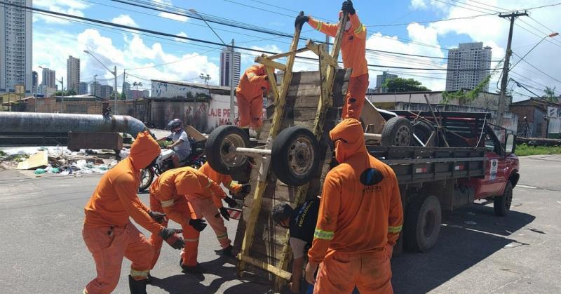 A operação resultou em 16 carroças apreendidas.