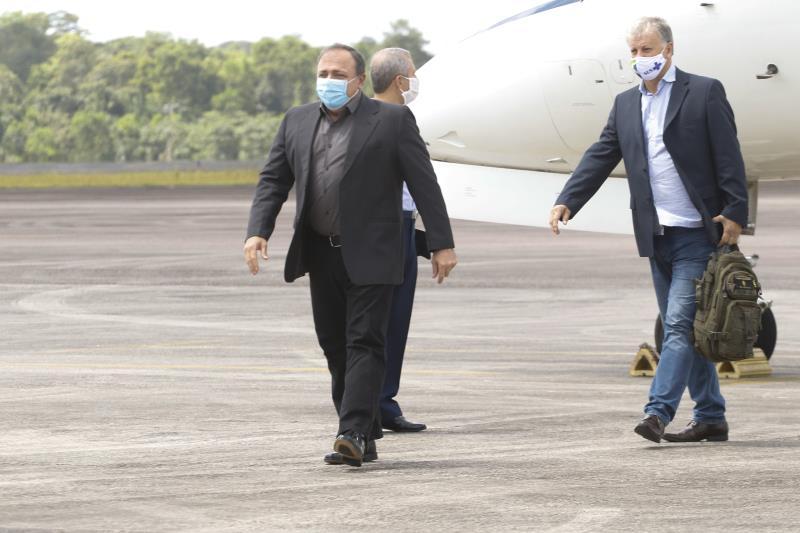 2020.05.27 - PA - Belém - Brasil: Prefeito Zenaldo Coutinho recebe o Ministro Interino da Saúde Eduardo Pazuello na Base Aérea de Belém.