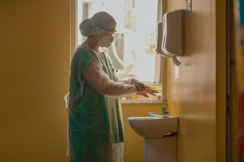 Trabalhadores da saúde são os profissionais decisivos na luta contra o novo coronavírus