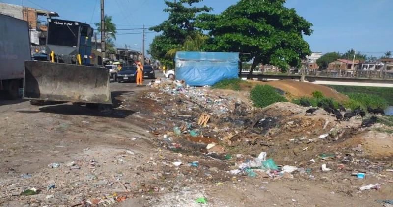 A Prefeitura de Belém garante a limpeza sistemática de áreas usadas por carrinheiros como depósito ilegal de lixo