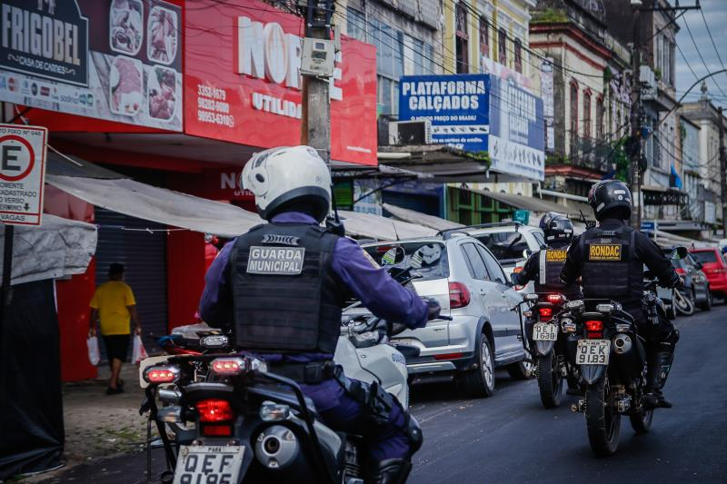 Agentes da GMB seguem fiscalizando áreas comerciais