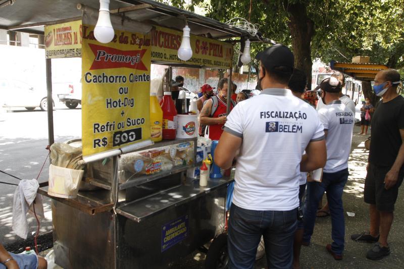 Vendedores de alimento também receberam orientações para não permitir que clientes consumissem no local.