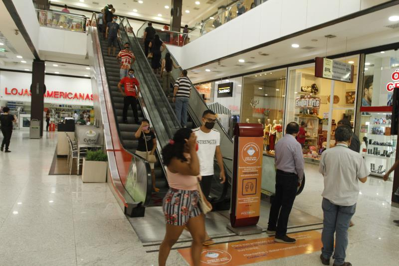Shopping Centers e salões foram reabertos no dia 6, na capital.