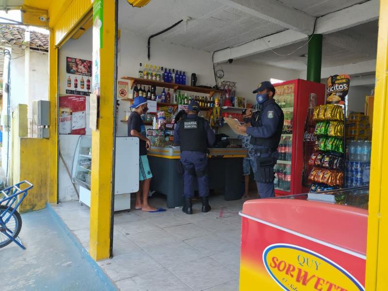 Fiscalização nas lojas de Mosqueiro.