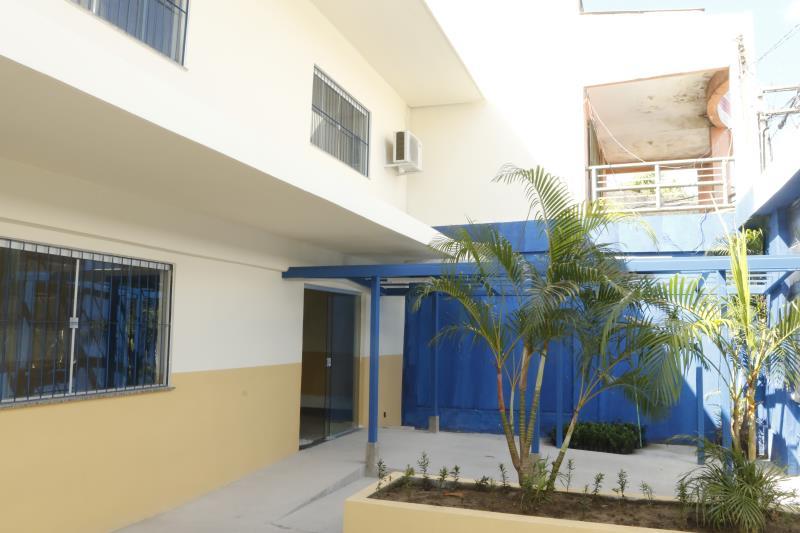 Obras na Escola Professor Luiz Carlos Acácio Barbosa, no bairro do Guamá estão avançadas.